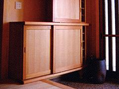 使い勝手のよい引戸の玄関収納